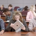 آگهی جدید مایکروسافت : دانش آموزان در صورت استفاده از آی پد مردود خواهند شد