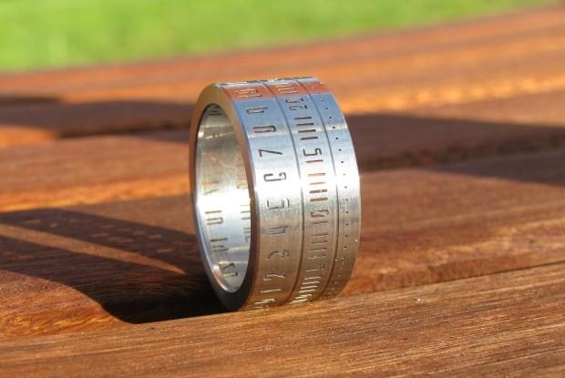 ring-clock-wristwatch-3