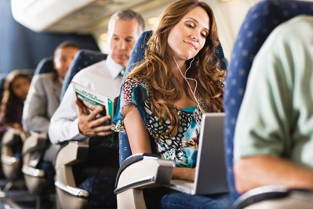 اولین خطوط هوایی که اجازه دادند مسافران از وسایل الکترونیکی استفاده کنند