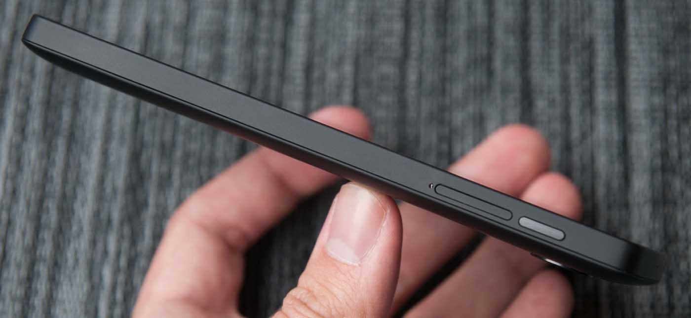 Nexus5_Right-edge