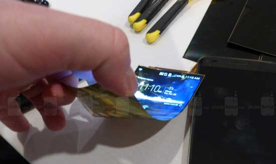 گوشی هوشمند با صفحه نمایش انعطاف پذیر LG G Flex