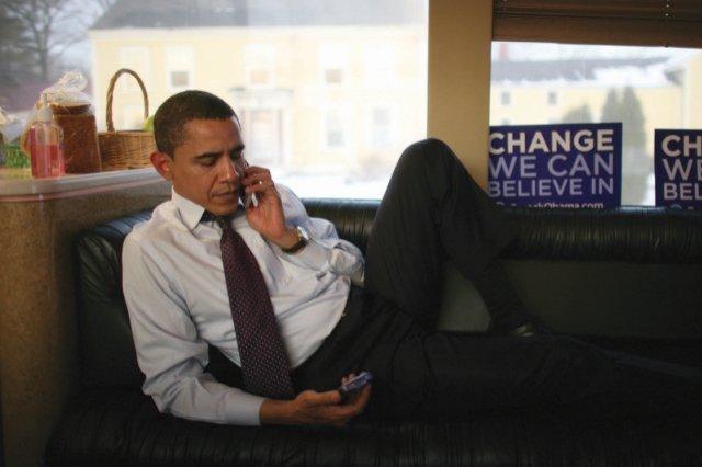 باراک اوباما بخاطر مسایل امنیتی از گوشی آیفون استفاده نمی کند!