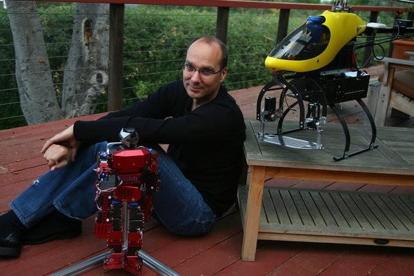 Andy Rubin مدیر بخش روباتیک گوگل شد