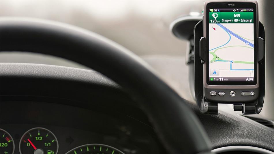 چگونه اندروید و ios در اتومبیل به شما کمک می کنند؟