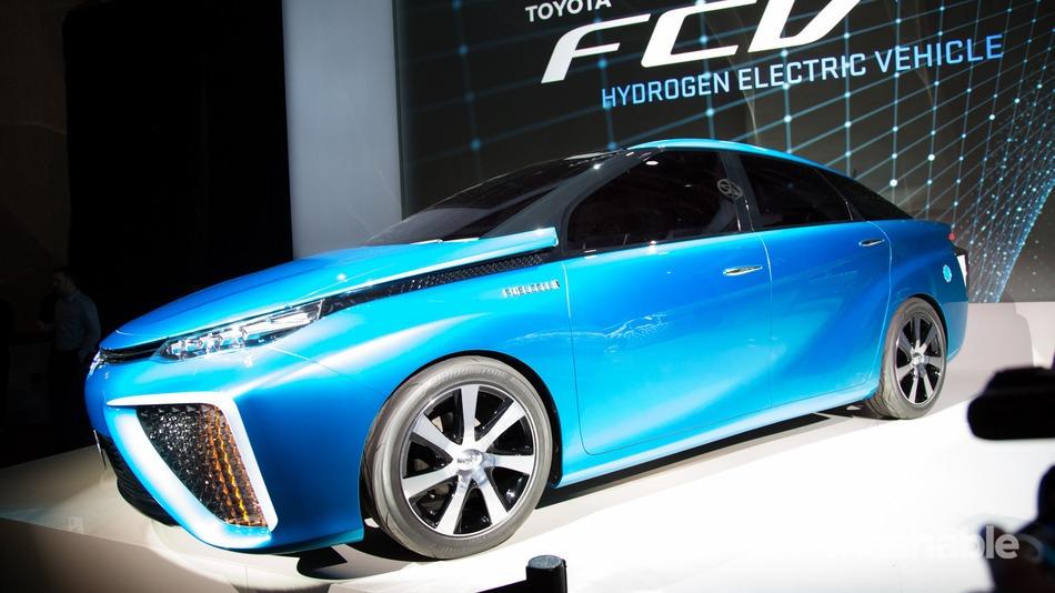 رونمایی از خودروی الکتریکی تویوتا