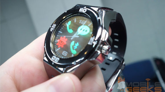 ساعت هوشمند Halo با عقربه های واقعی