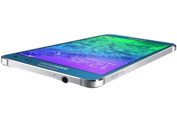 به دلیل وقفه های بوجود آمده در تولید، گوشی گلکسی A5 ماه آینده به بازار می آید