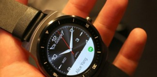 LG G Watch R arrives at T-Mobile on November 19, Moto 360 available now