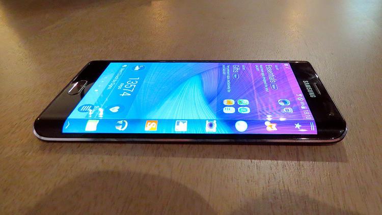 مشخصات و امکانات گوشی سامسونگ Galaxy Note Edge