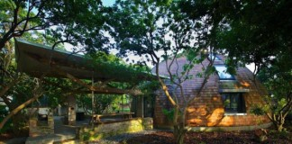 خانه جنگلی زیبا