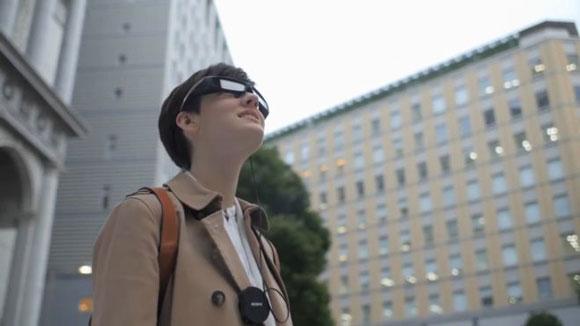 عینک واقعیت افزوده سونی SED-E1 زیر ذره بین زوم تک