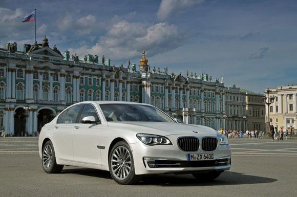 BMW i750 مدل 2013