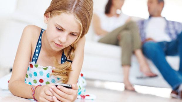 چگونه بفهمیم فرزندمان آمادگی استفاده از گوشی را دارد یا خیر