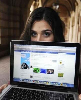 علاقه افراطی به شبکه های اجتماعی عامل رژیم های خطرناک!