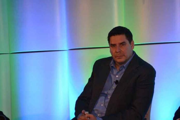 مدیر Sprint برنامه ای برای تبدیل آیفون های قدیمی به مشتریان جدید دارد