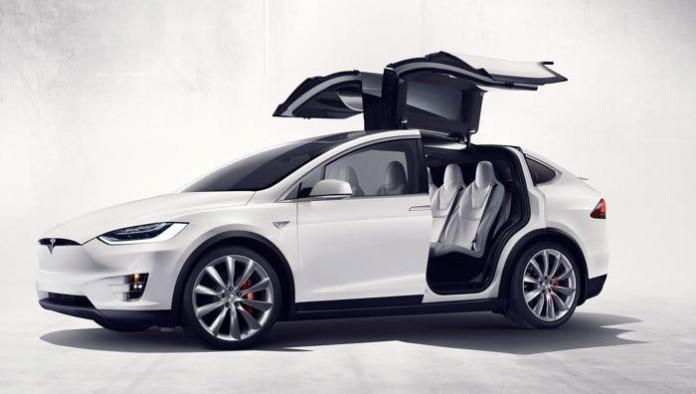 خودرو تسلا ایکس ؛ امن ترین خودرو SUV جهان عرضه شد
