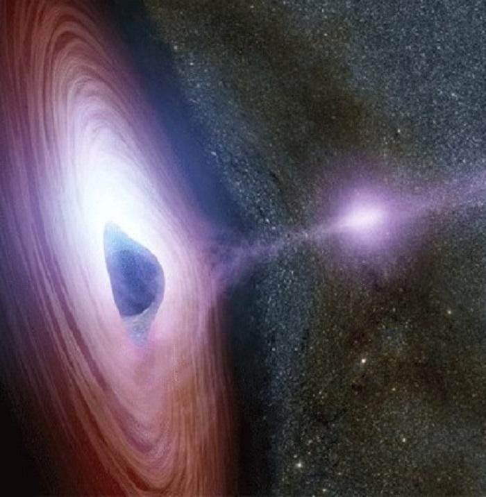 تصاویری خارق العاده از فعالیت عجیب یک سیاهچاله