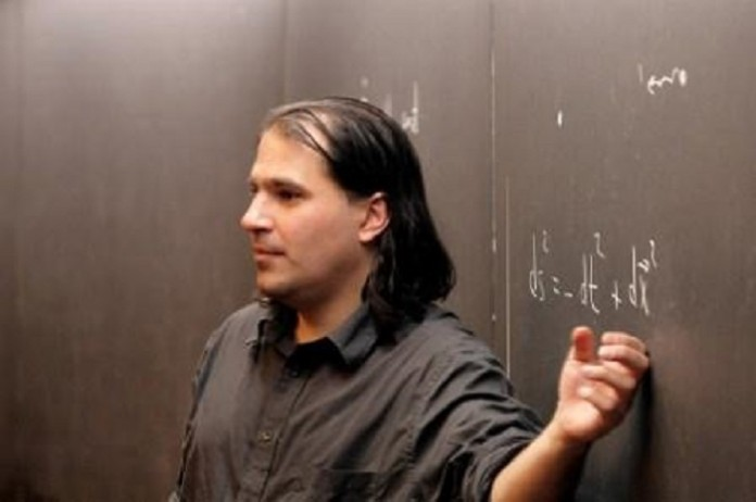 مغز متفکر پروژه قدرتمندترین شتاب دهنده ذرات دنیا