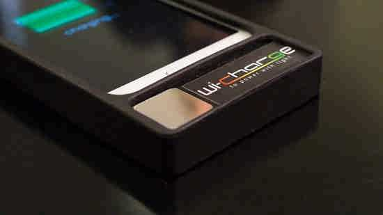 شارژ گوشی های همراه با لیزر مادون قرمز (1)