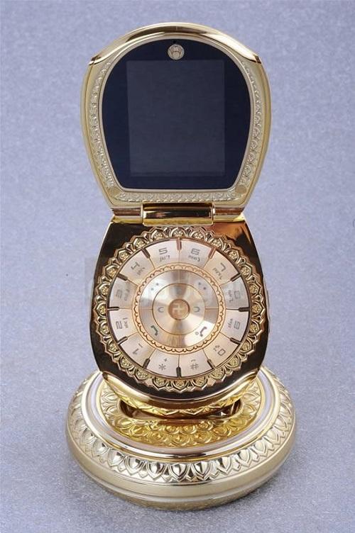 golden-buddha-cellphone-9d27fdf2477ffbff837d73ef7ae23db9