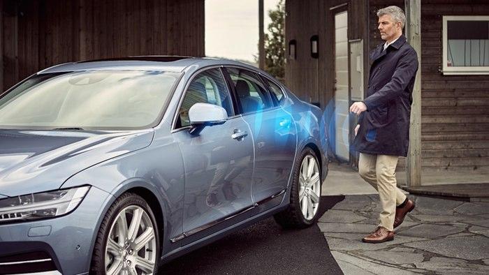 ولوو وظیفه ی سوییچ را کاملا به گوشی هوشمند راننده سپرد