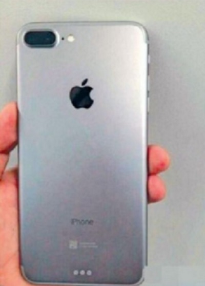 آخرین عکس های منتشر شده از آیفون 7 ؛ وجود دوربینی دوگانه و حذف دکمه ی Home