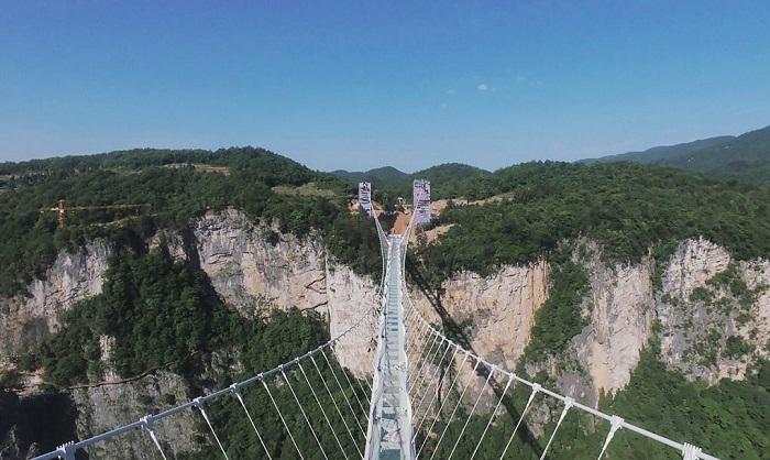 ترسناک ترین پل معلق جهان