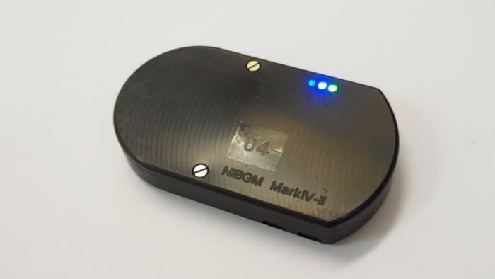 دستگاهی که با استفاده از امواج سطح قند خون بیماران دیابتی را می سنجد