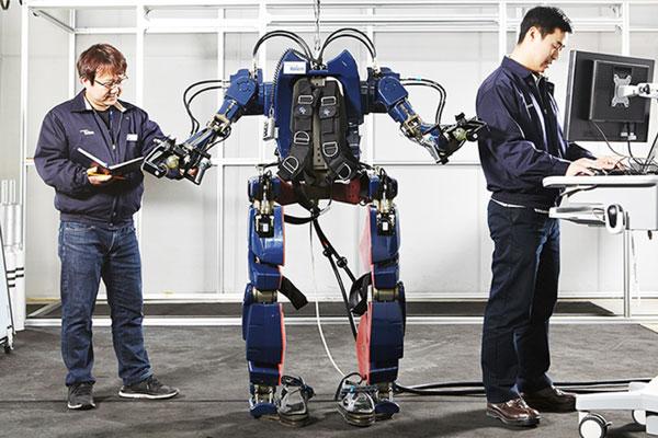 ربات عجیب و غریب iron man