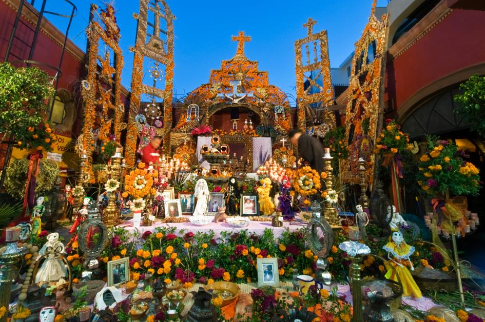 altar-marigolds-day-dead-mexico-ngsversion-1476392410927-adapt-945-1