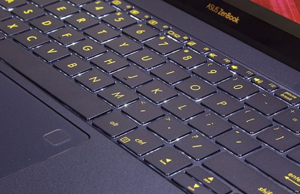 asus-zenbook-vs-macbook-design_asus_keyboard-620x400
