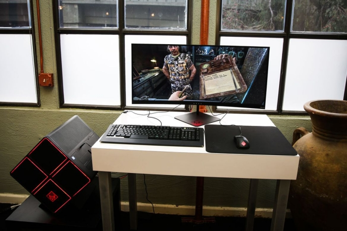 ارائه قدرتمندترین صفحه نمایش خمیده شرکت HP در CES 2017