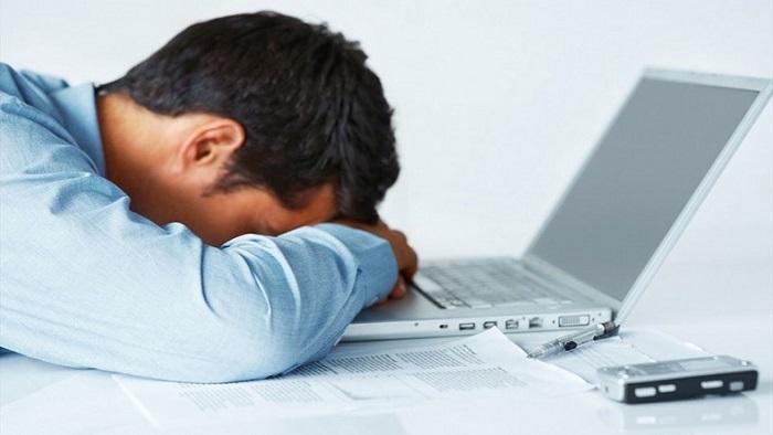 دلیل خواب زیاد   علت خواب آلودگی در طول روز