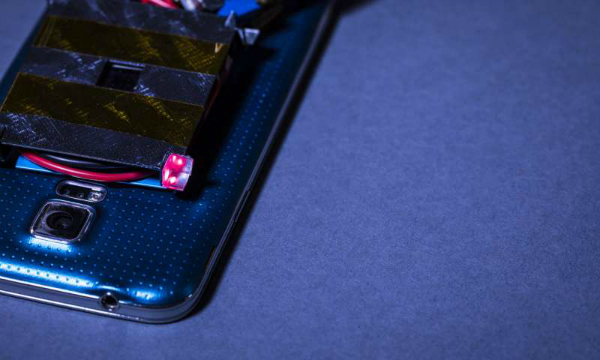شارژ بی سیم توسط اشعه لیزر