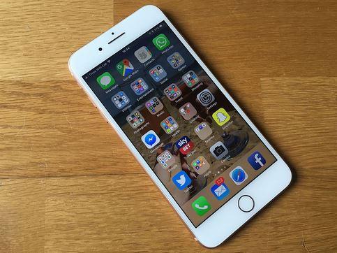 2بررسي گوشي iPhone 8 plus