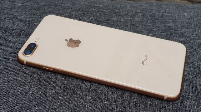 3بررسی گوشی iPhone 8 plus