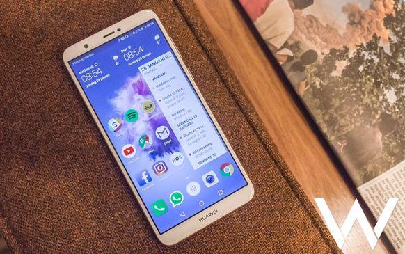 3بررسی و قیمت گوشی Huawei P Smart