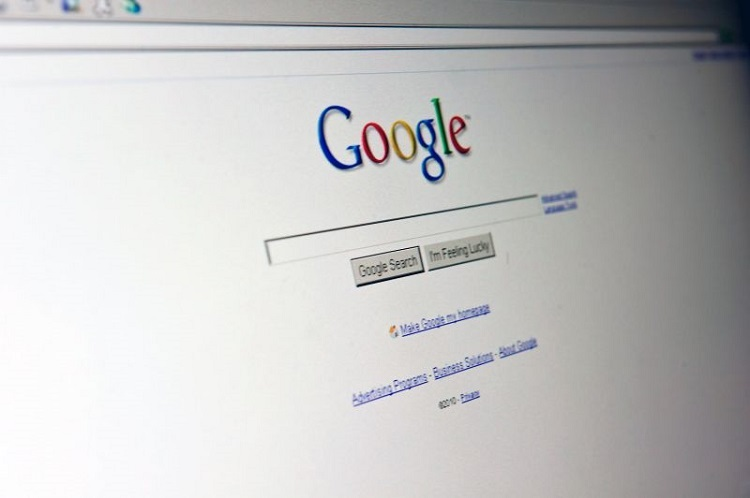 نتایج جستجوی گوگل چگونه در پاسخ به بازخورد مشتری بهبود مییابند ؟