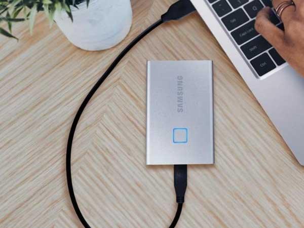 سامسونگT7، SSD portable را با استفاده از اثر انگشت محافظت می کند